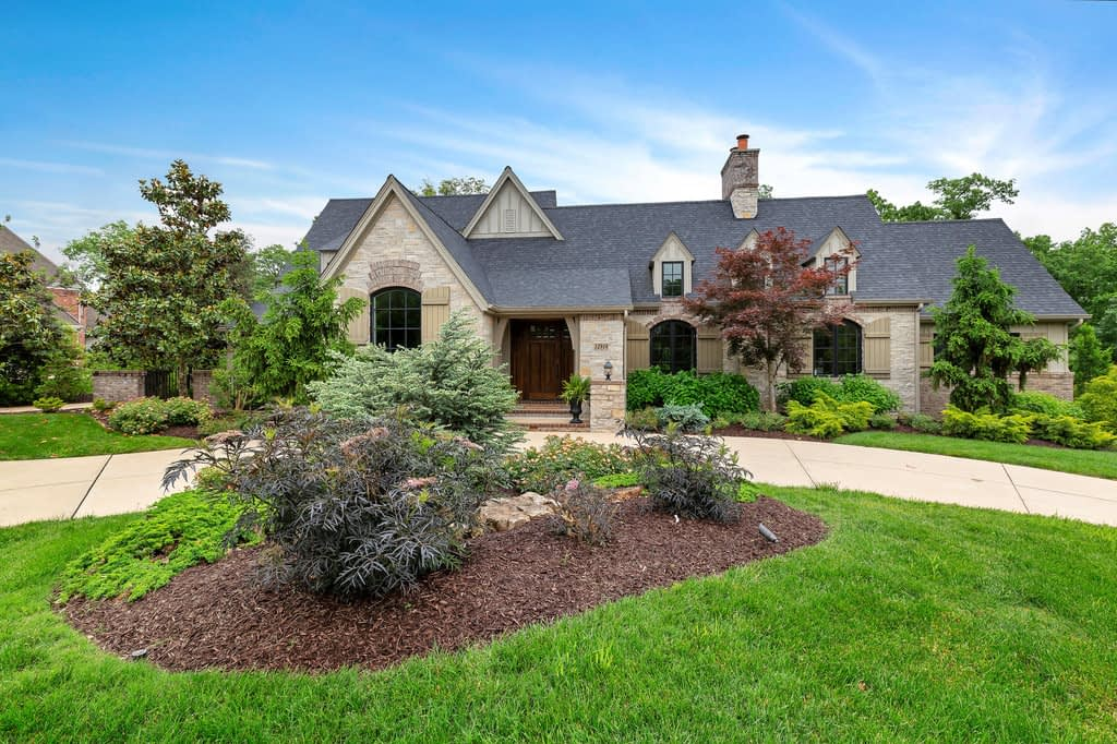 Curb appeal ideas for homes | Staging That Sells